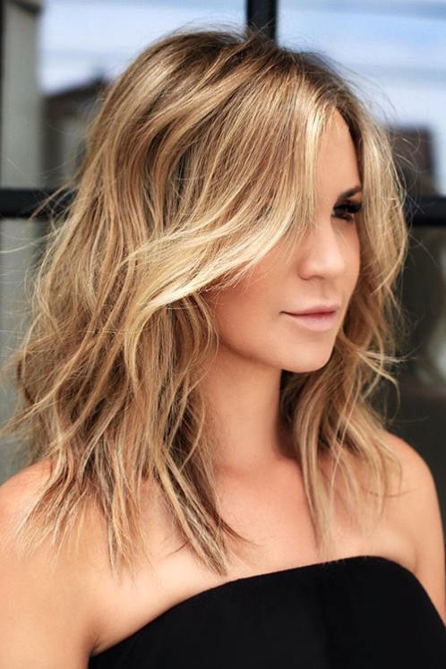 Short to Medium Hairstyles That\u0027ll Freshen Up Your Look, Stat