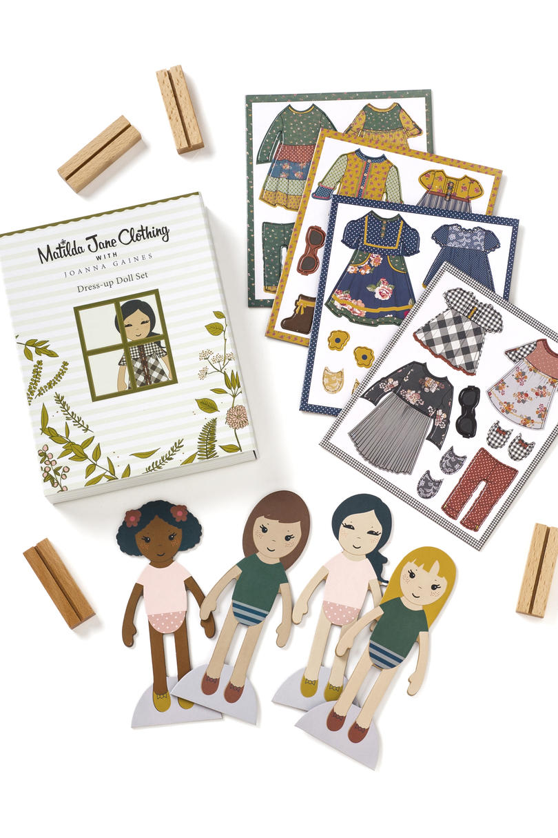 Play Day Magnetic Doll Set
