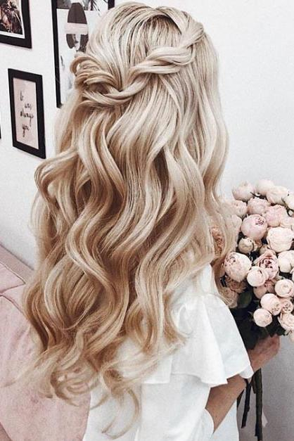25 Homecoming Hairstyles We Love