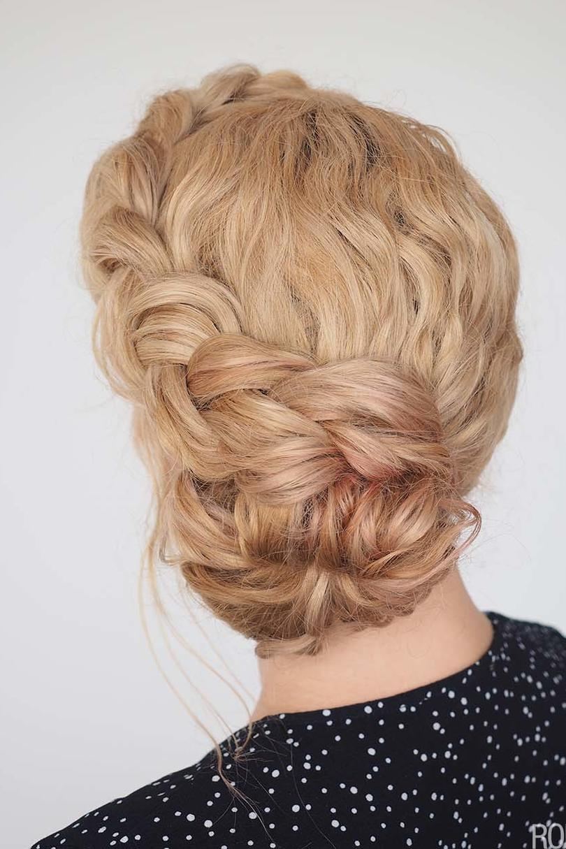 17 Beautiful Ways To Style Blonde Curly Hair