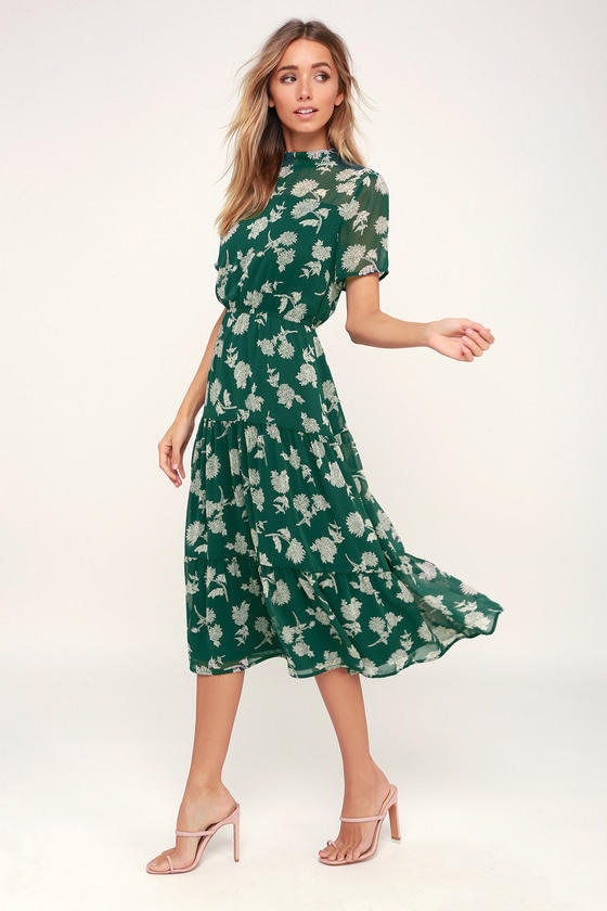 704772aa163 19 Spring Dress Trends Every Wedding Guest Will Love for 2019