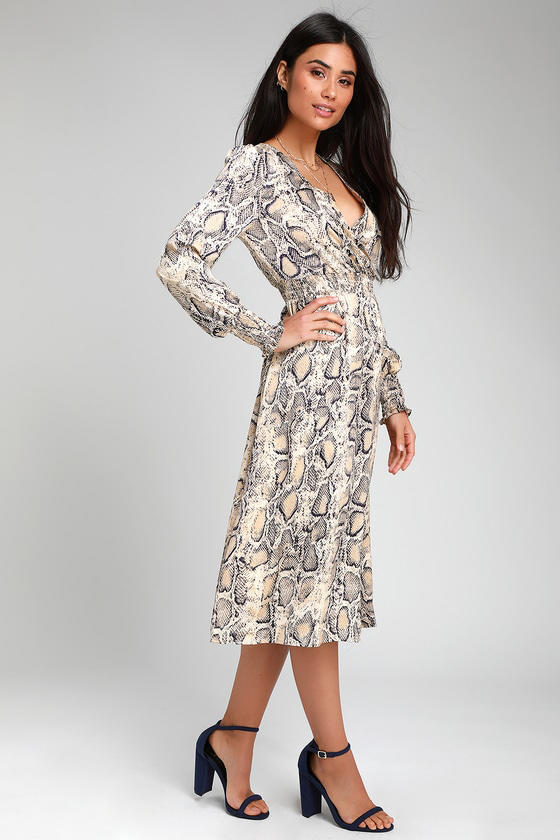3478e7acea92 19 Spring Dress Trends Every Wedding Guest Will Love for 2019