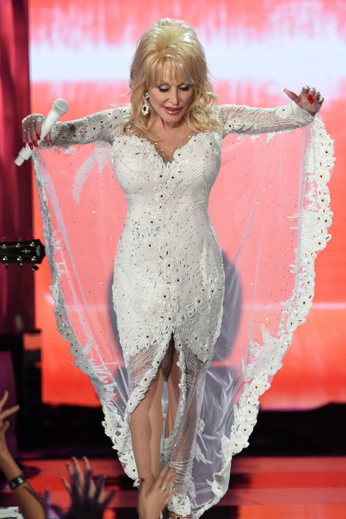 RX_1907_Most Iconic Gowns Southern Women_Dolly Parton, 2019