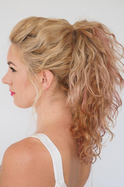 Pumped-Up Curly Ponytail