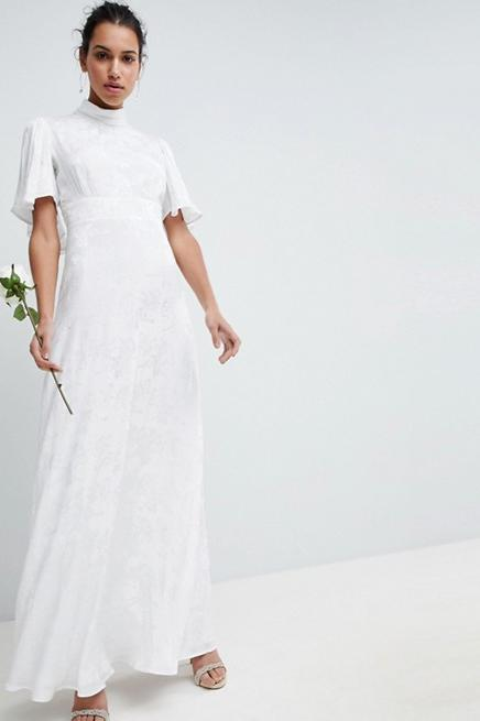 Shopping: 20 of the Dreamiest Wedding Dresses Under $500