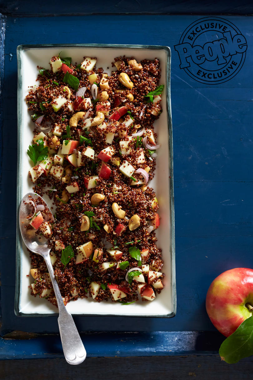 QUINOA WITH APPLES & CASHEWS