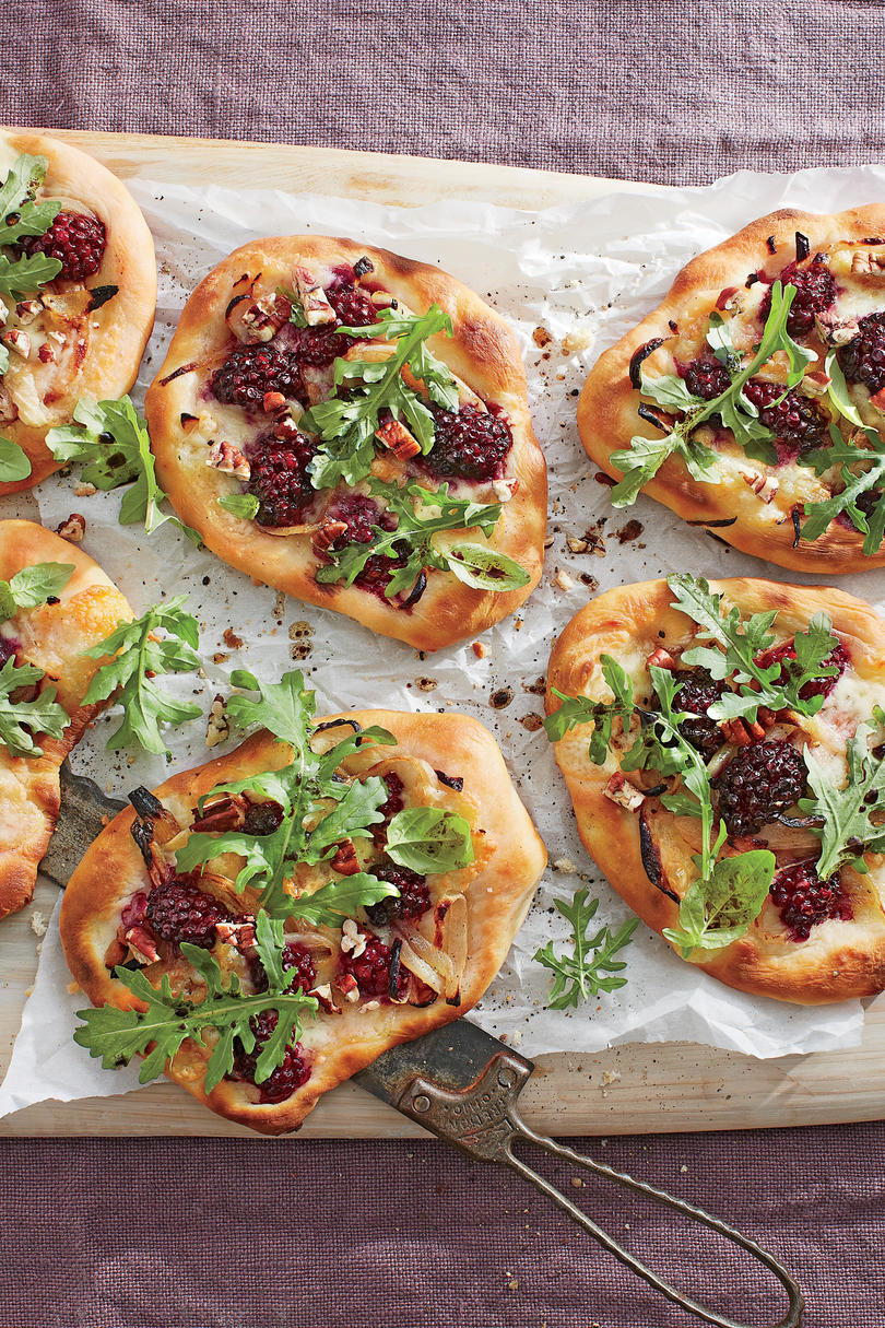 Blackberry-Brie Pizzettas Recipe