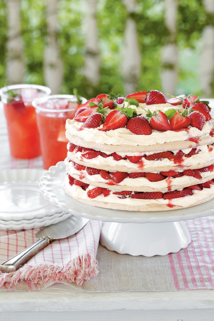 Fresh Strawberry Meringue Cake