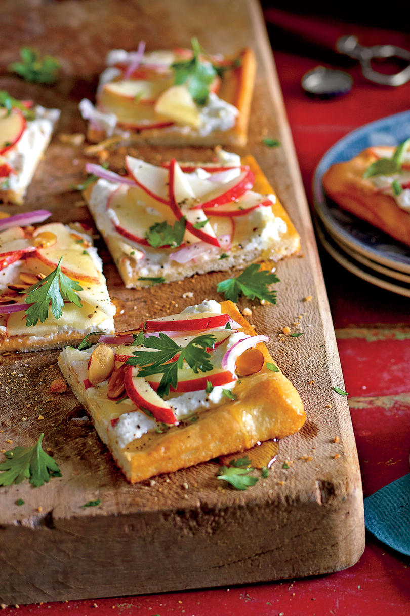 Best party appetizers and recipes southern living apple flatbread recipe forumfinder Gallery