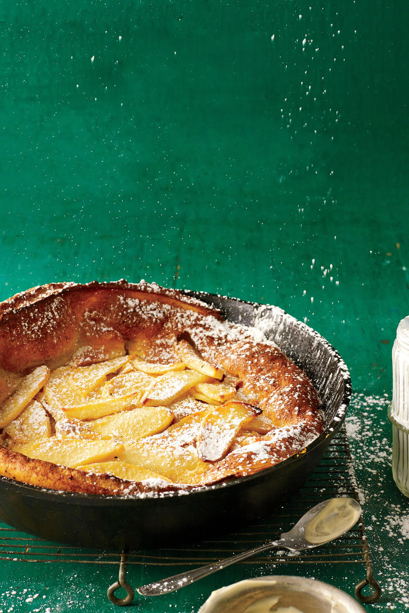 Apple-Cinnamon Dutch Baby