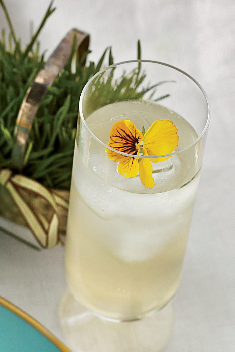 Sparkling Elderflower Lemonade