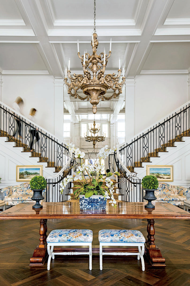 Kappa Kappa Gamma University of Arkansas Foyer