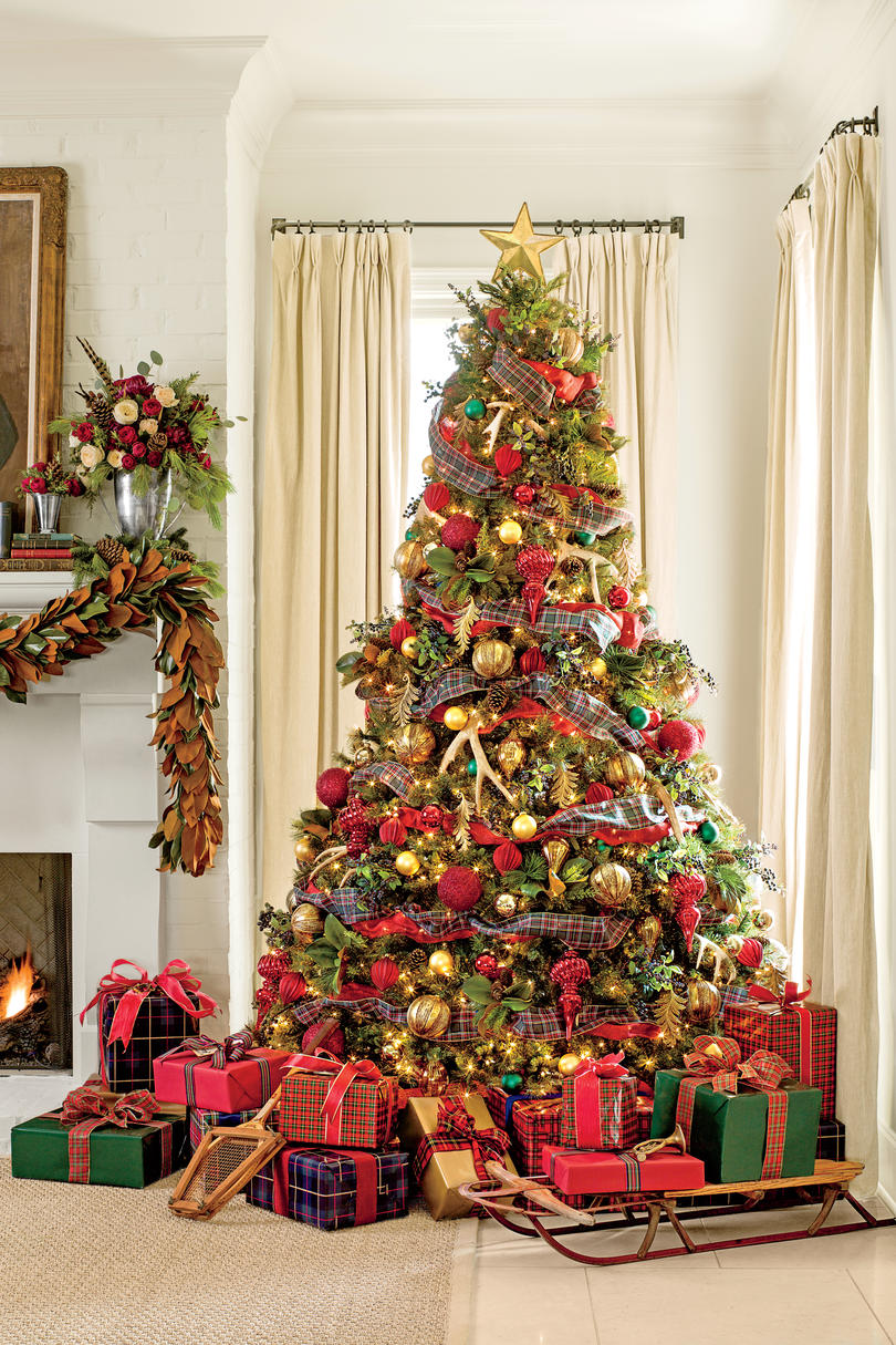 Colored Light Christmas Tree Decorating Ideas