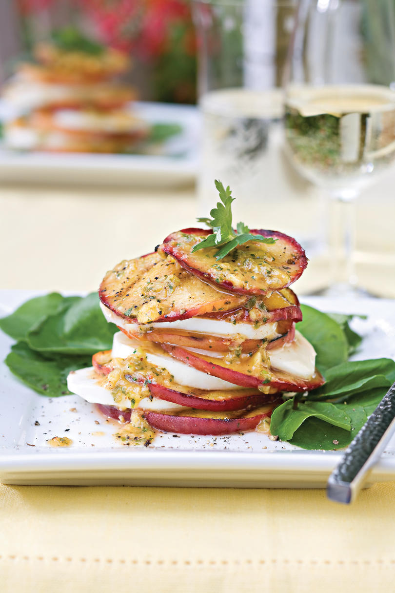 Vegetarian Grilling Recipes: Grilled Peach-and-Mozzarella Salad