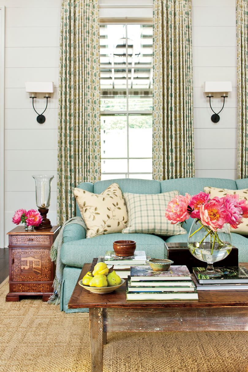 Southern Living Family Room Decor: Top 12 Best-Selling House Plans