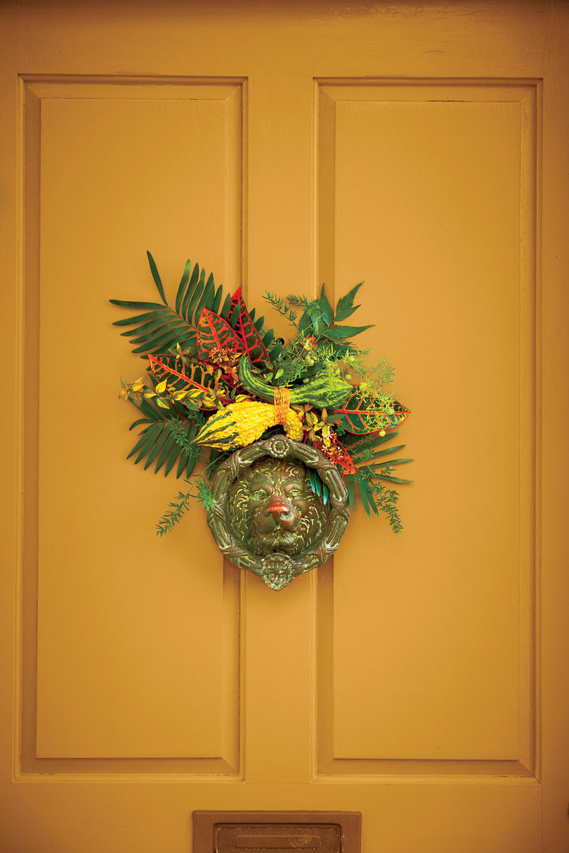 Fall Door Knocker Embellishment