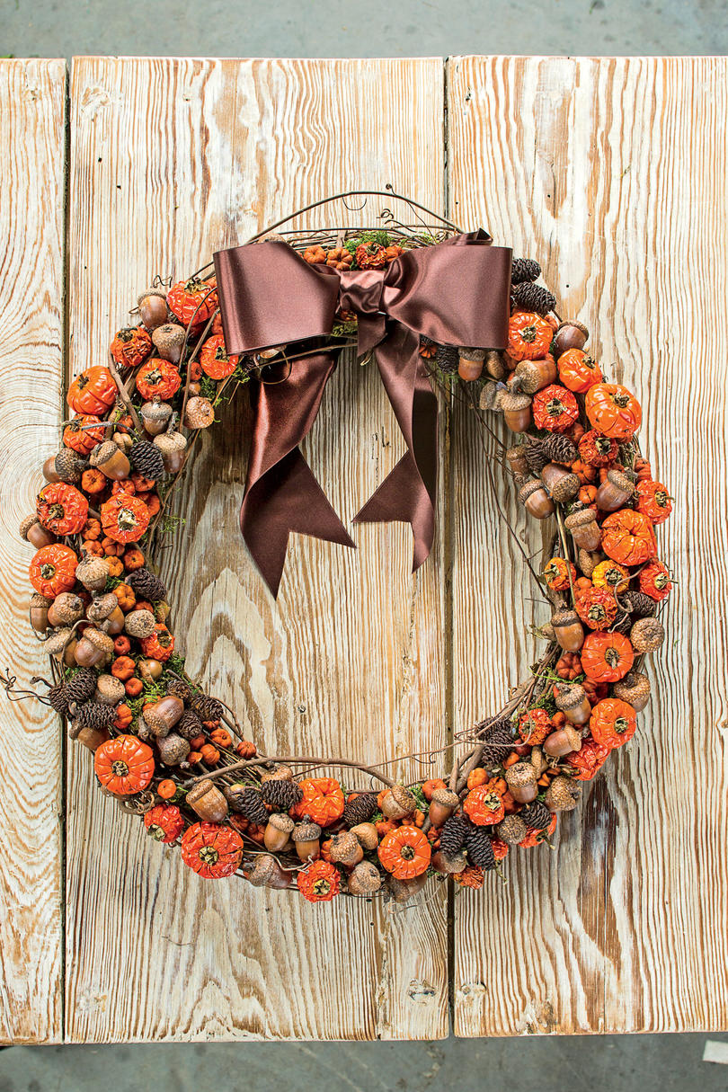 RX_1707_30 Fall Wreaths We're Dreaming Of_ Pumpkin  and Acorn Fall Wreath