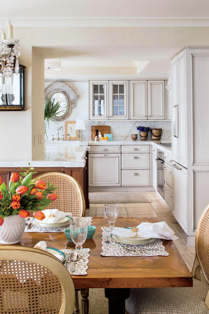 Eat in kitchen design ideas southern living for Eat in kitchen designs for small kitchen