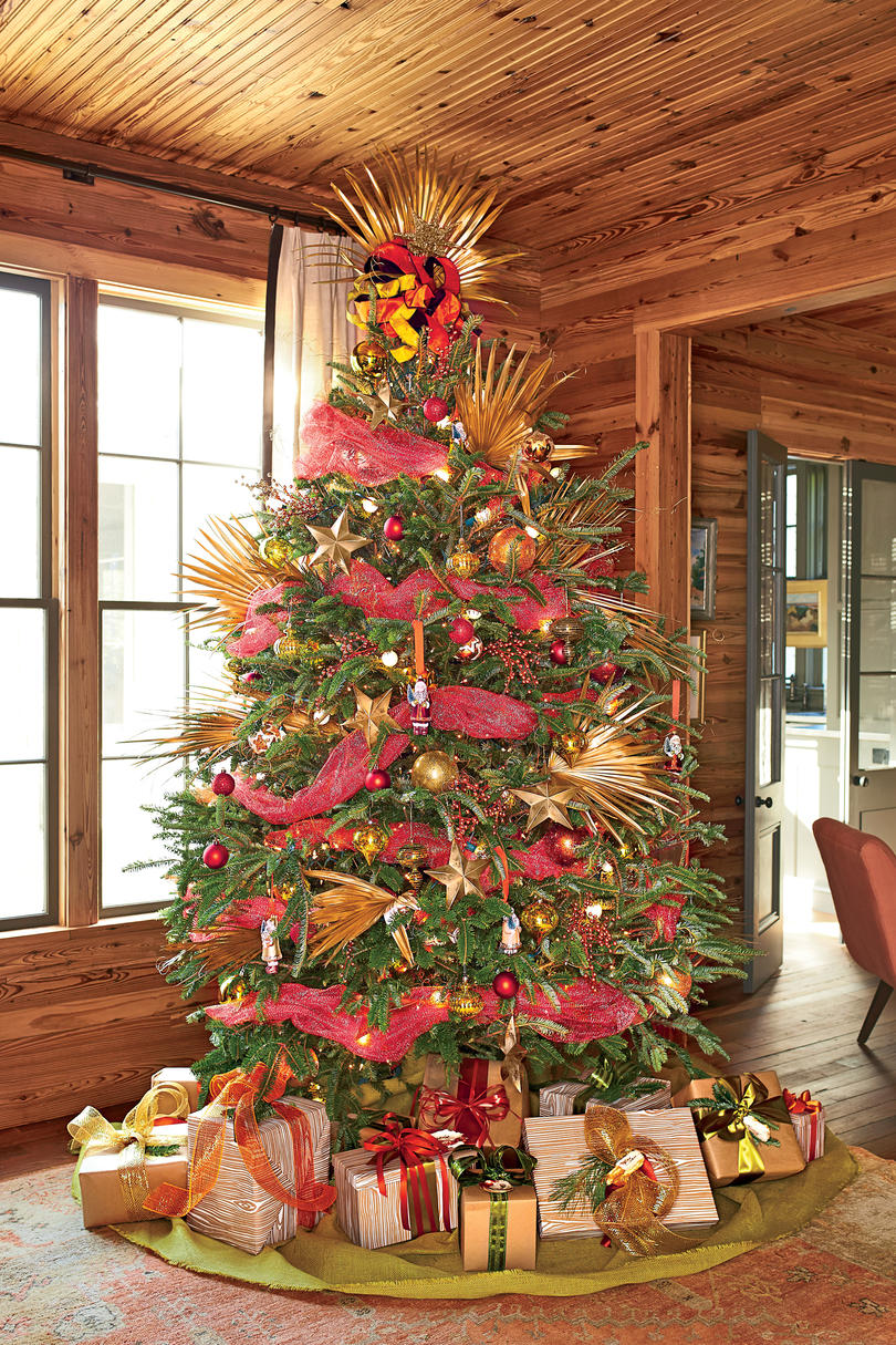 Christmas tree decorating ideas southern living Large decorated christmas trees