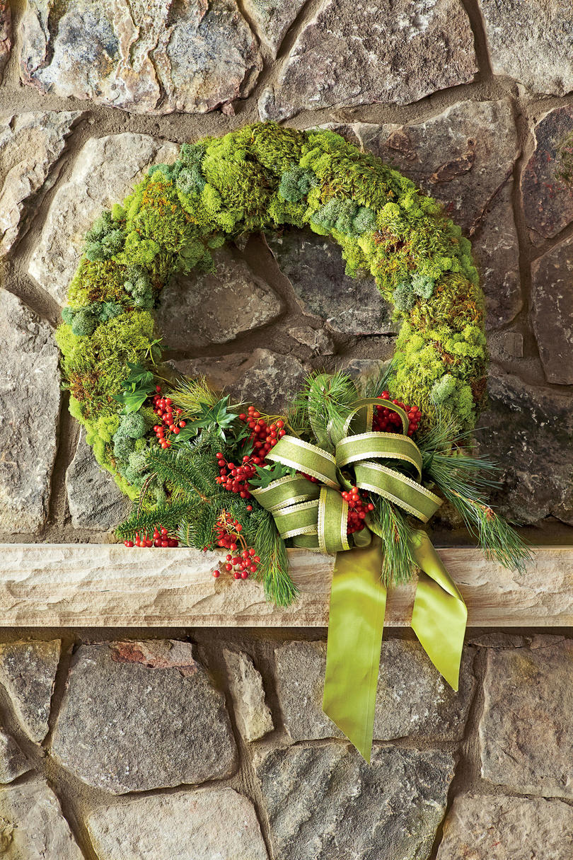 Organic Moss Christmas Wreath