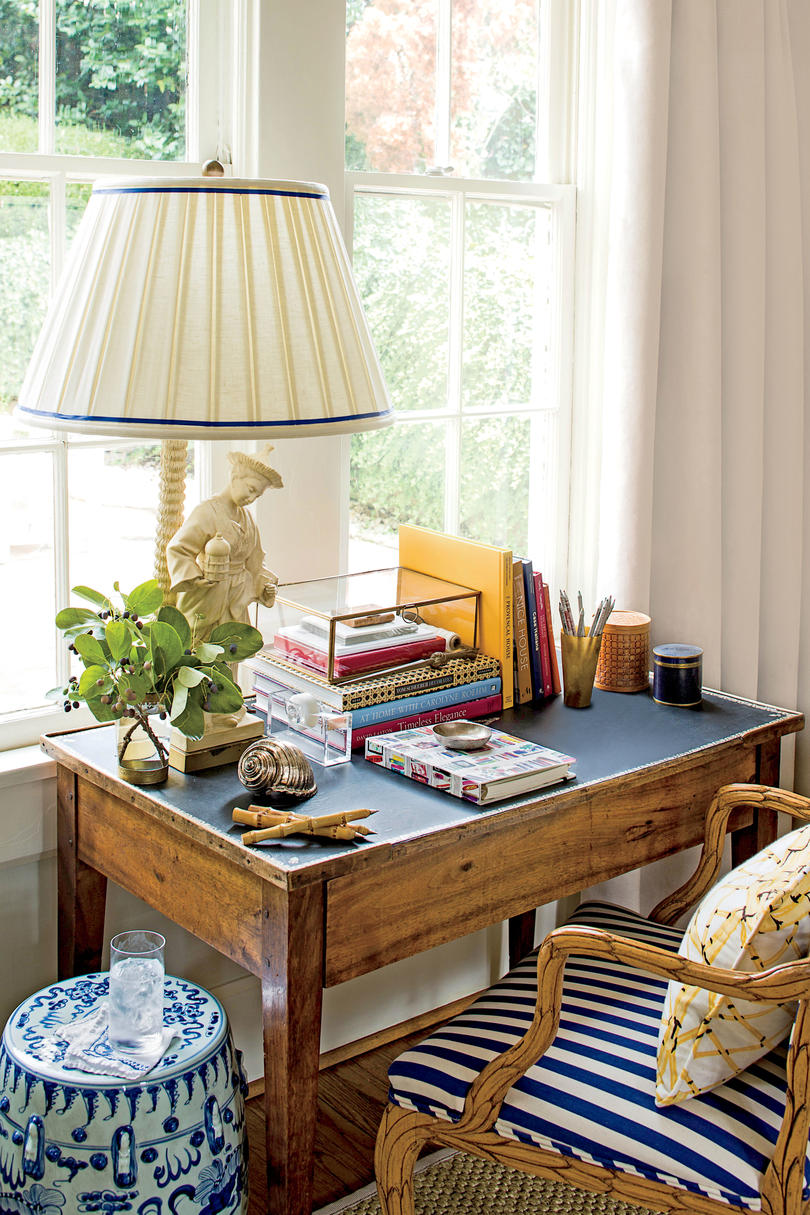 Organize Living Room Ideas: Small Space Organizing Tips