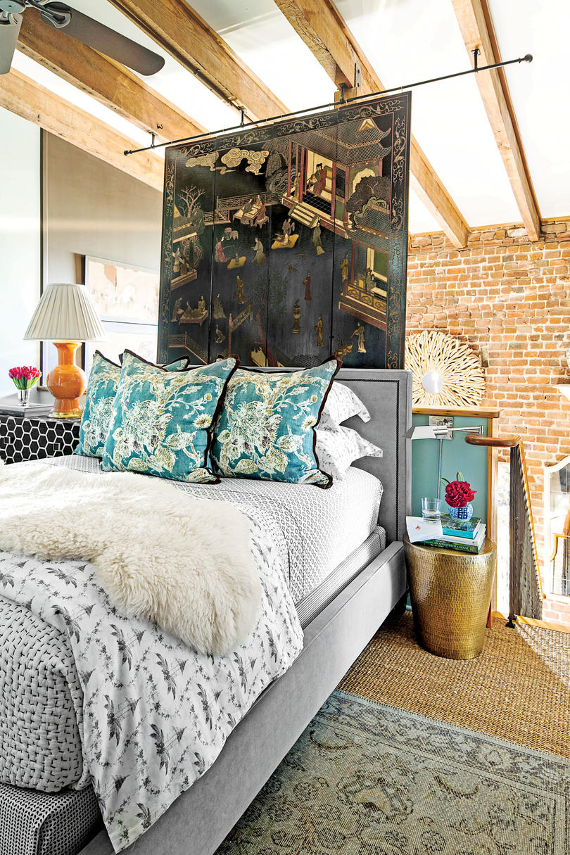 Charleston Loft Bedroom with Asian Screen