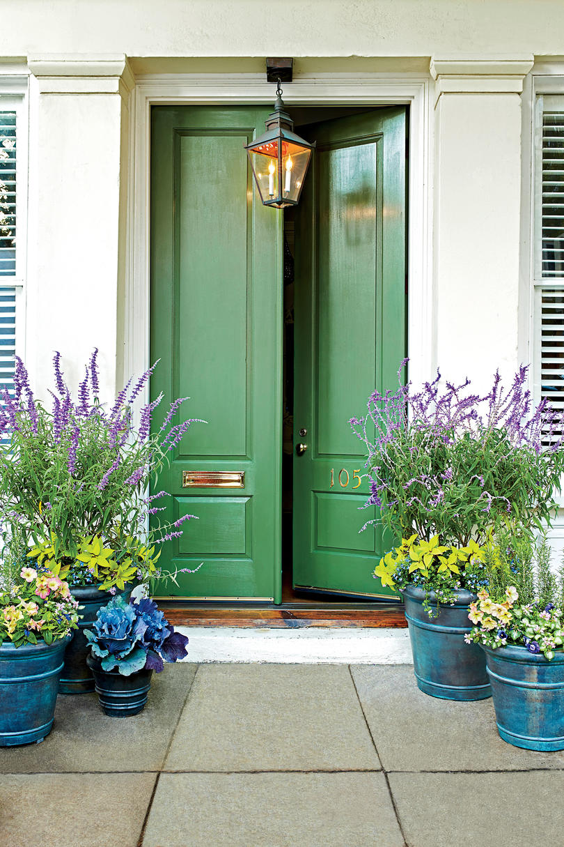 Green Door & Spring Front Door Paint Ideas That Will Give Your Exterior An ... pezcame.com
