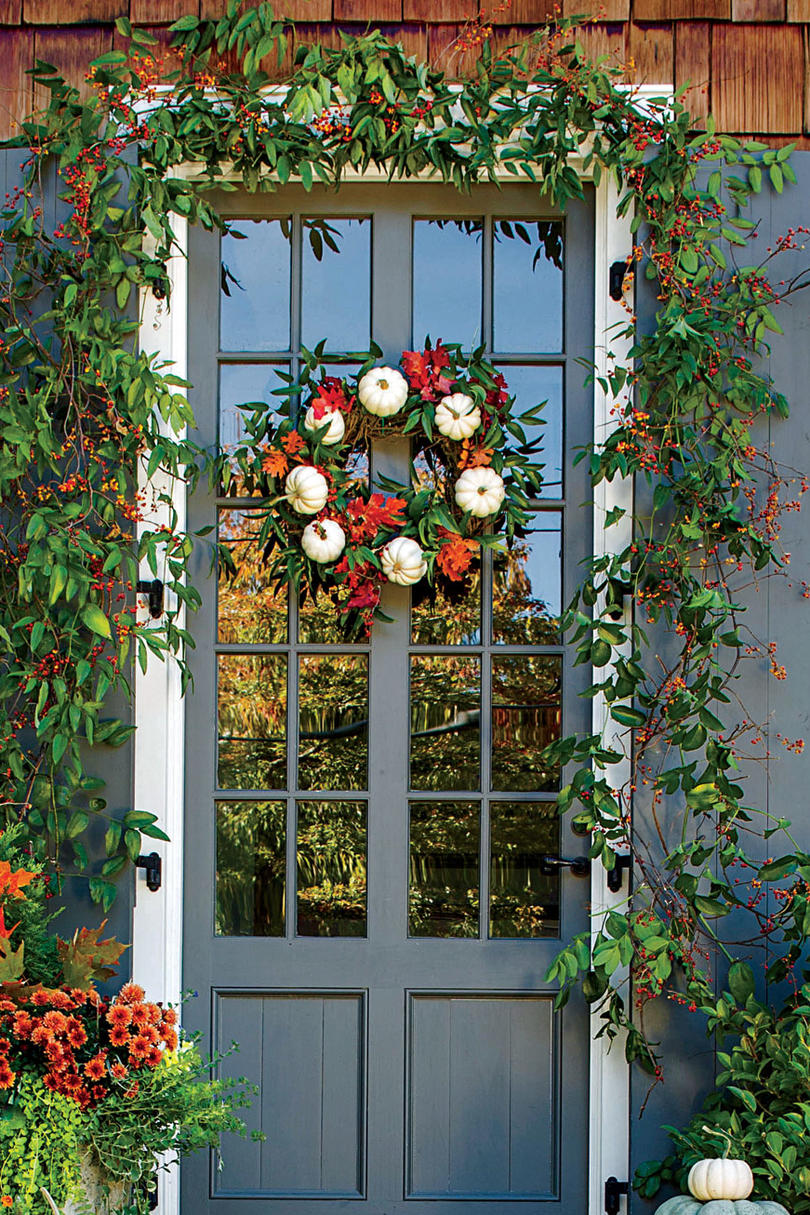Design a White Pumpkin Wreath