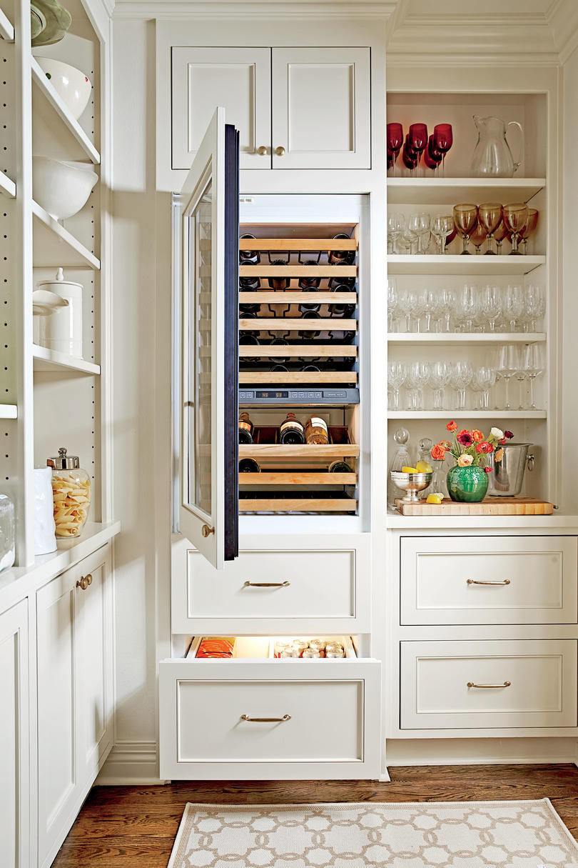Creative kitchen cabinet ideas southern living for Kitchen shelves and cupboards