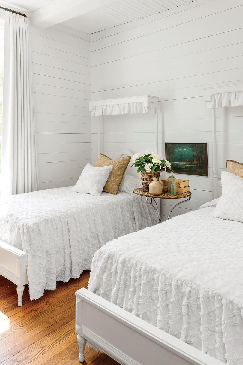 Monteagle Home Guest Bedroom