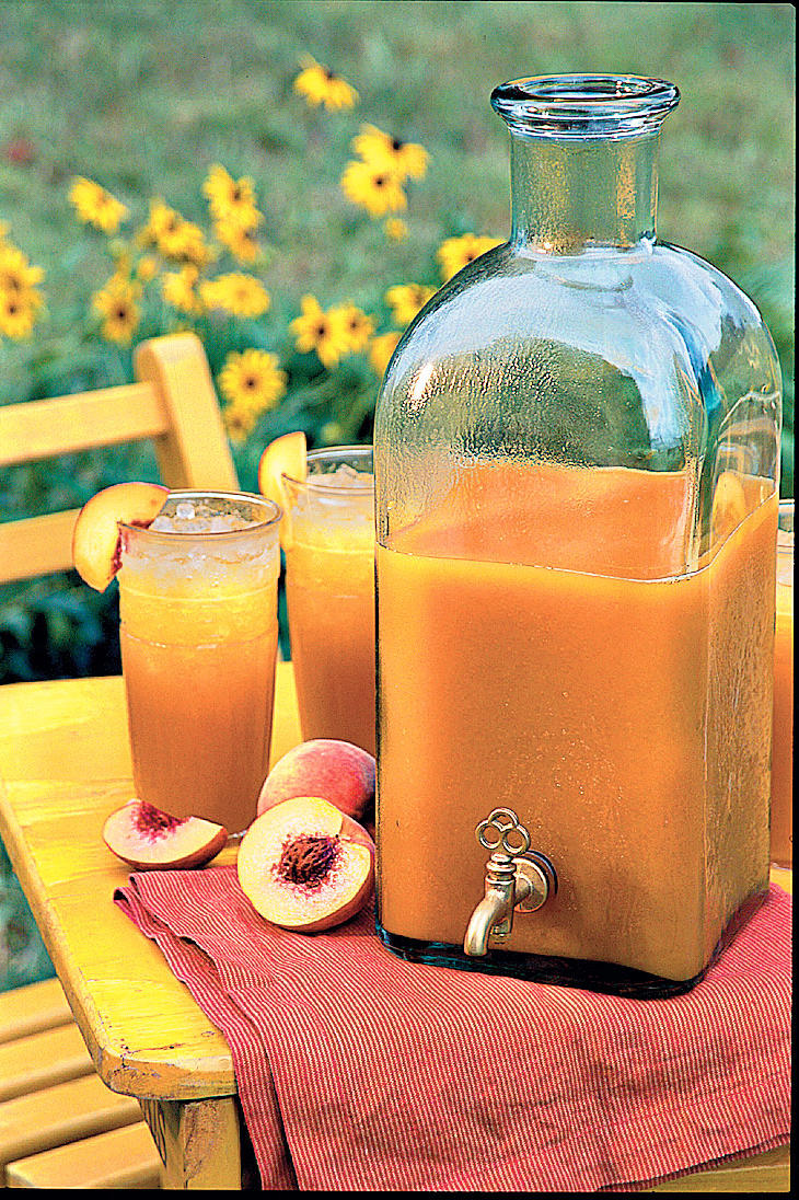 Punch and Cocktail Summer Drink Recipes: Peach Iced Tea