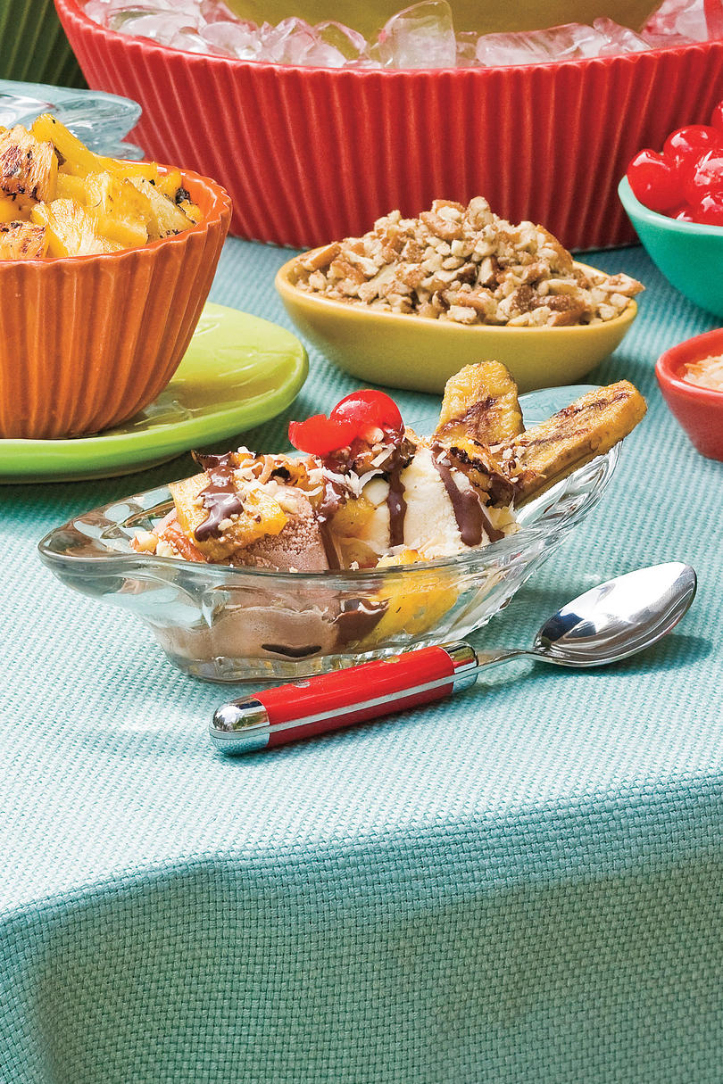 Vegetarian Grilling Recipes: Grilled Banana Splits