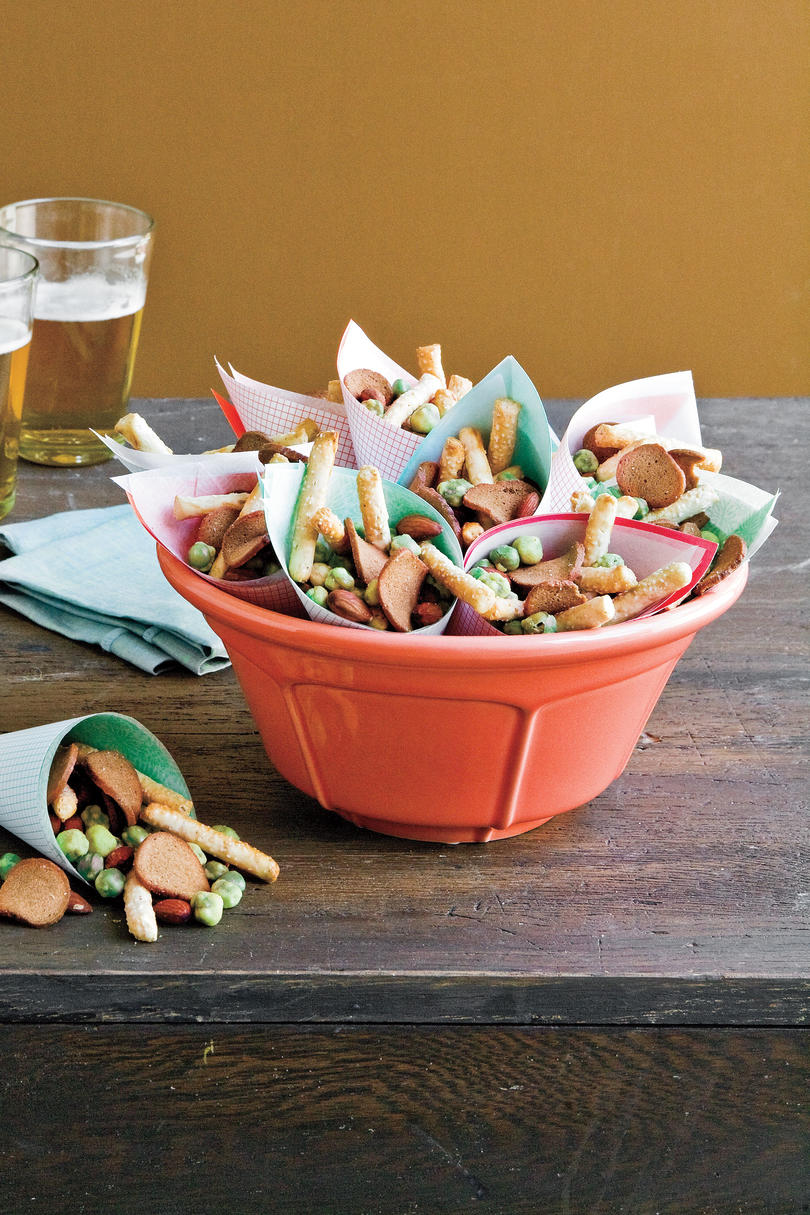Quick and Easy Party Snack Mix