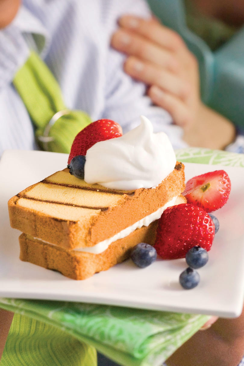 Cream-Filled Grilled Pound Cake