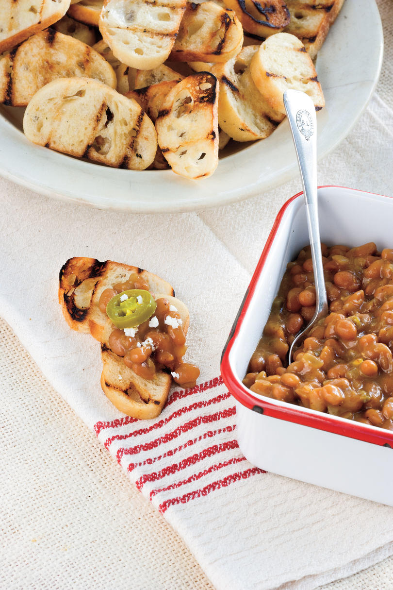 Outdoor appetizer recipe ideas southern living baked bean crostinis forumfinder Image collections