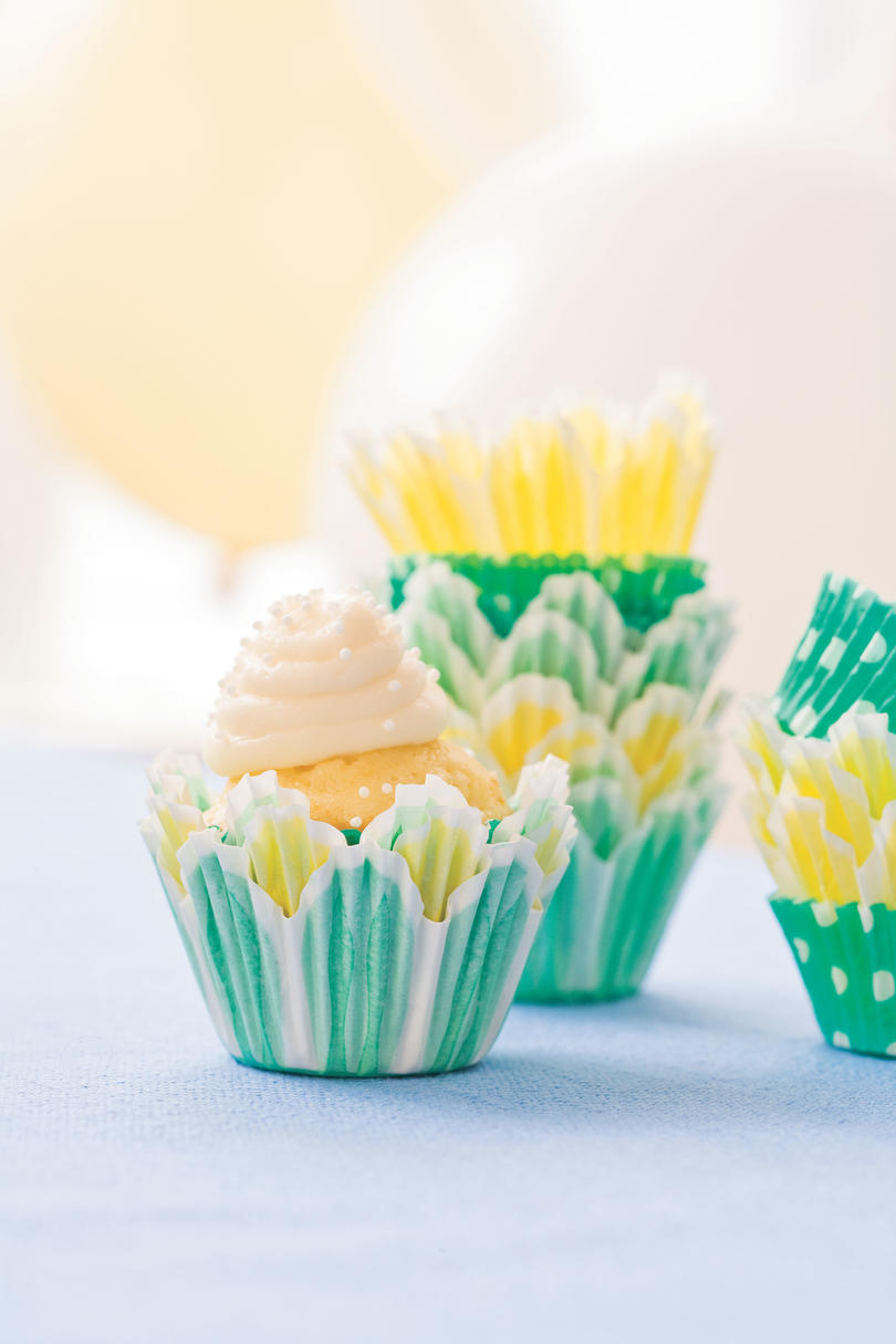 Cupcake Recipes: Bite-Size Sour Cream-Pound Cake Cupcakes