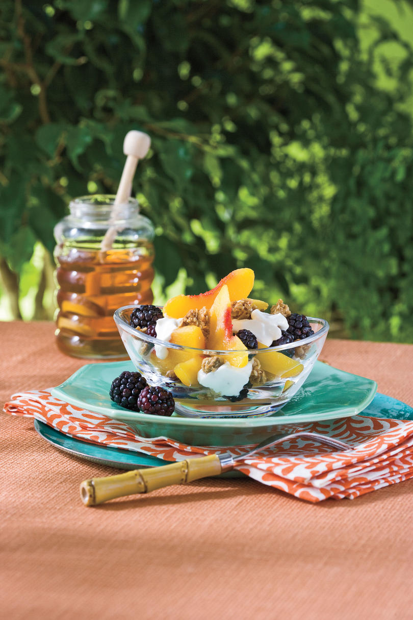 Summer Peach Recipes: Peach-Blackberry-Yogurt Fruit Cups