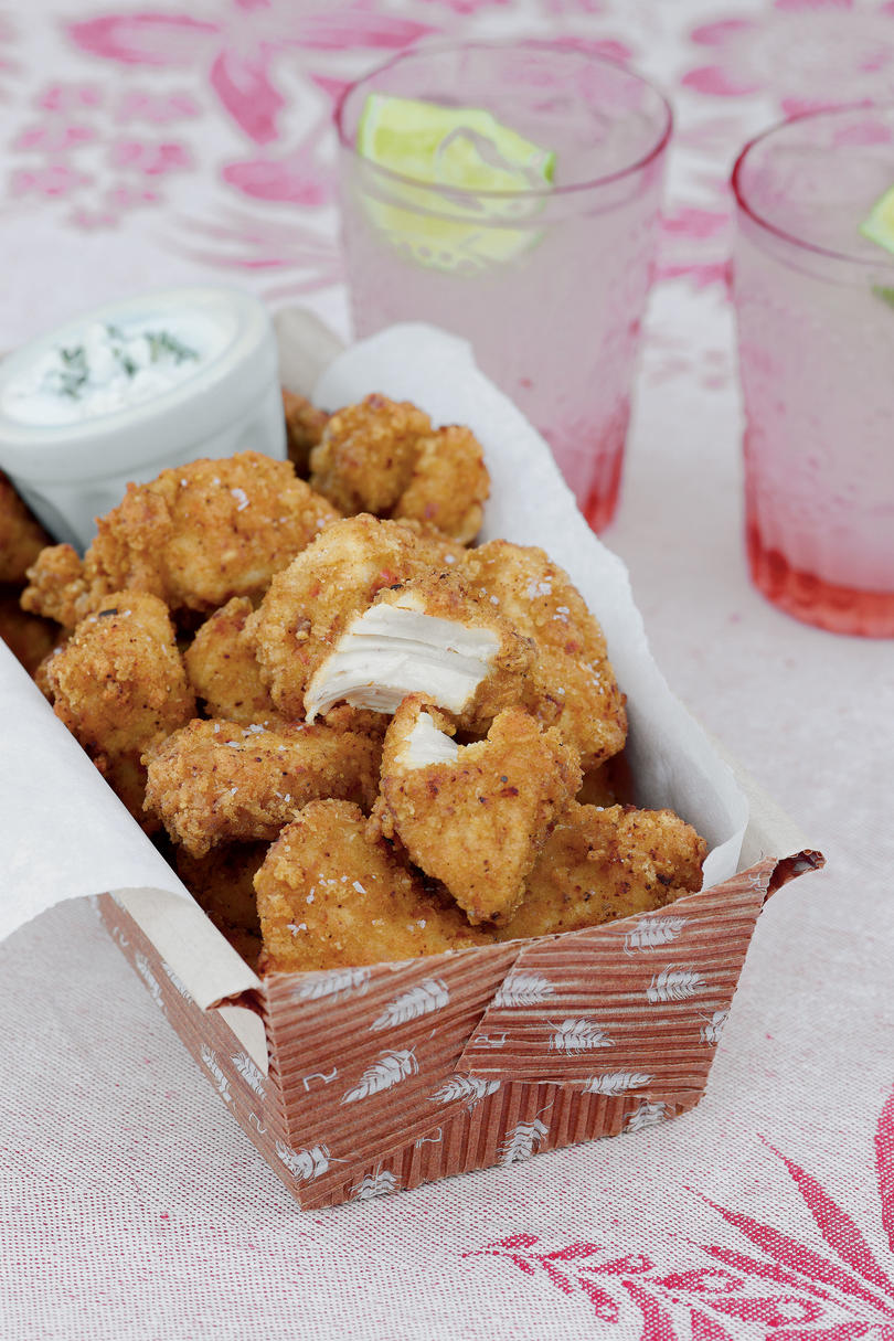 Portable picnic recipes southern living fried chicken bites forumfinder Gallery