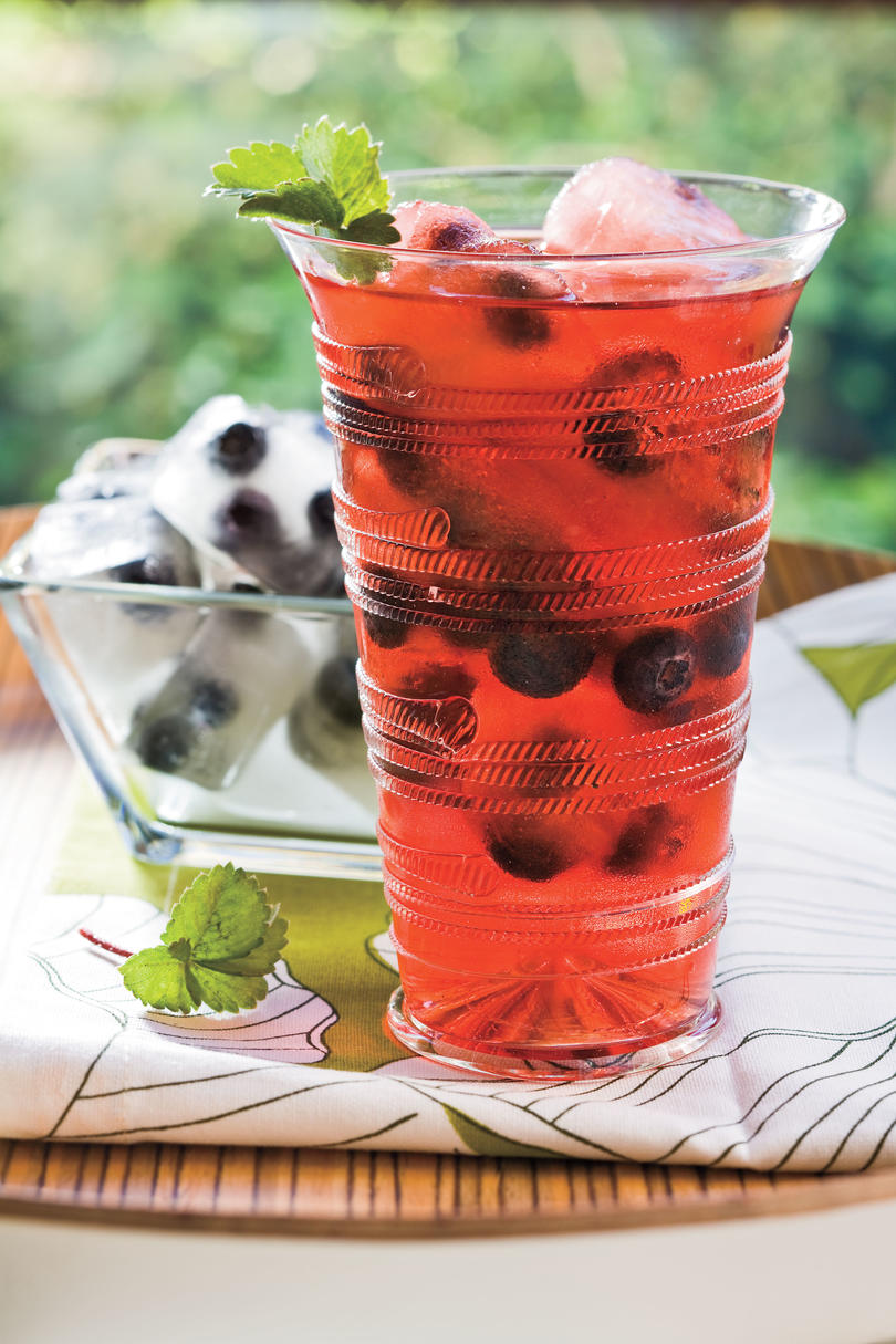Fresh Blueberry Recipes: Berry Ice Cubes