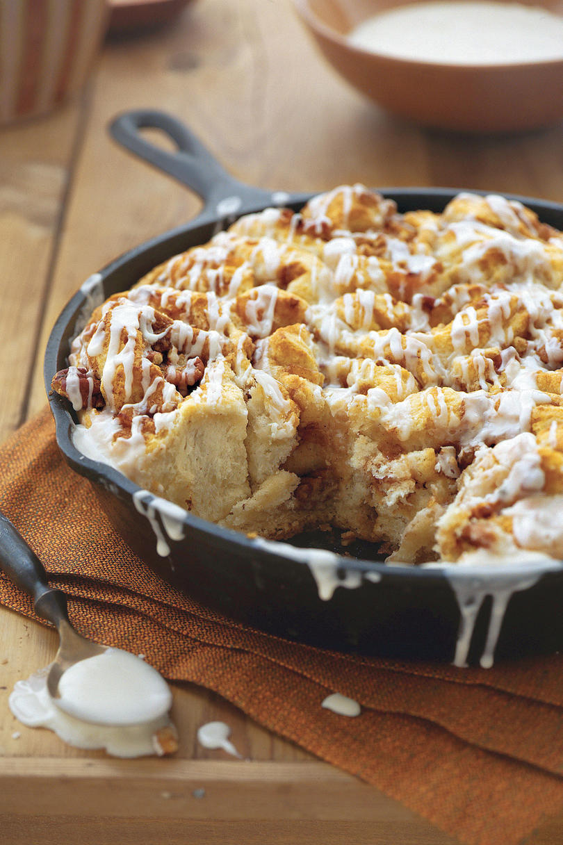Cast Iron Skillet Recipes: Apricot-Pecan Cinnamon Rolls