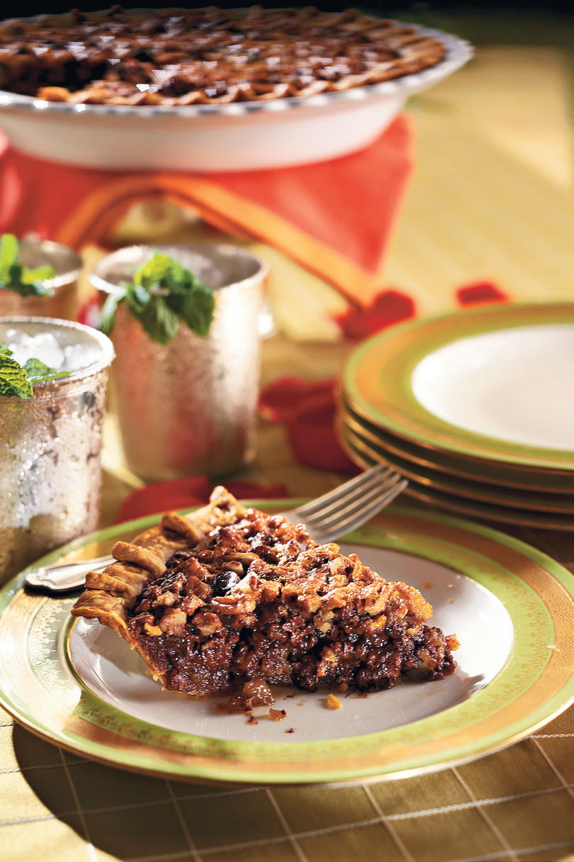 Kentucky derby recipes southern living chocolate bourbon pecan pie forumfinder Image collections