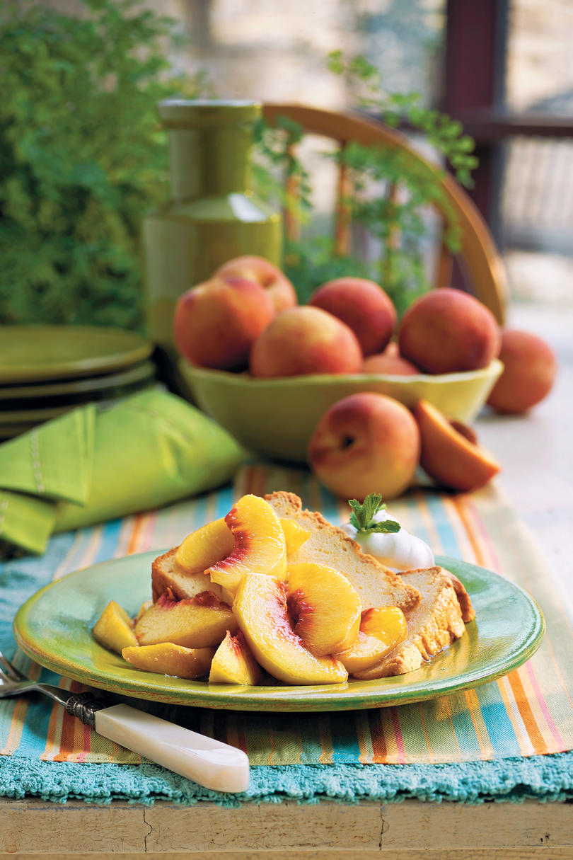 Sour Cream Pound Cake With Fresh Peaches Cake Southern Living