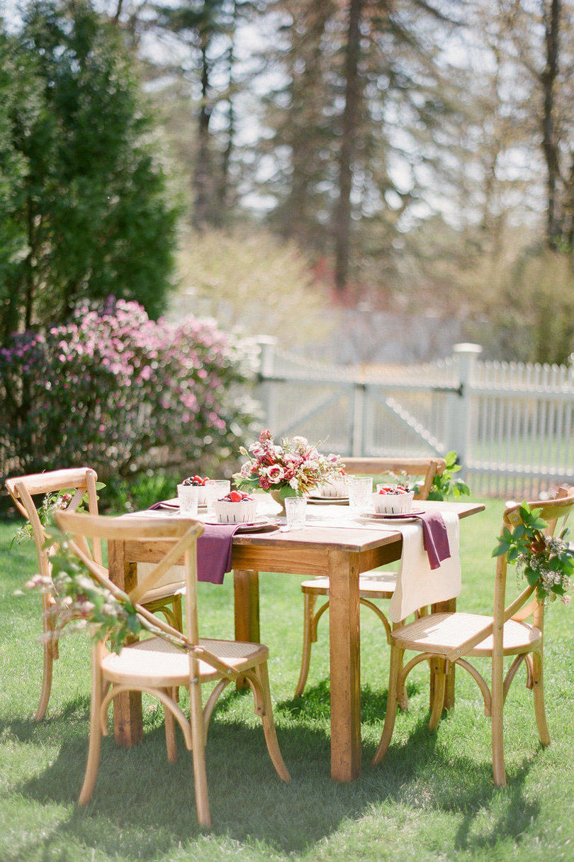 Set the Table for an Outdoor Brunch