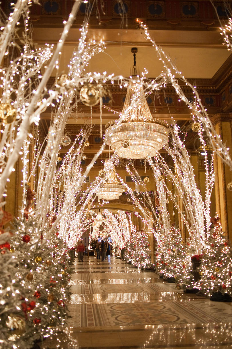 The South's Best Holiday Experiences Southern Living - New Orleans Christmas Lights