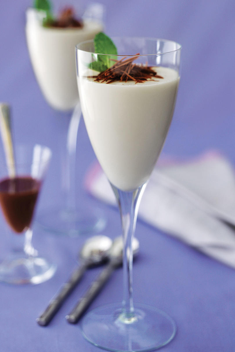 White Chocolate Panna Cotta With Dark Chocolate Sauce