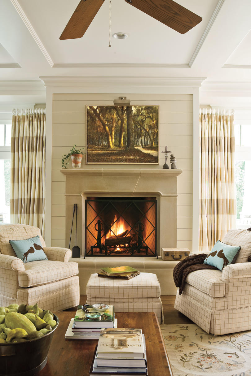 106 living room decorating ideas southern living for Over fireplace decor