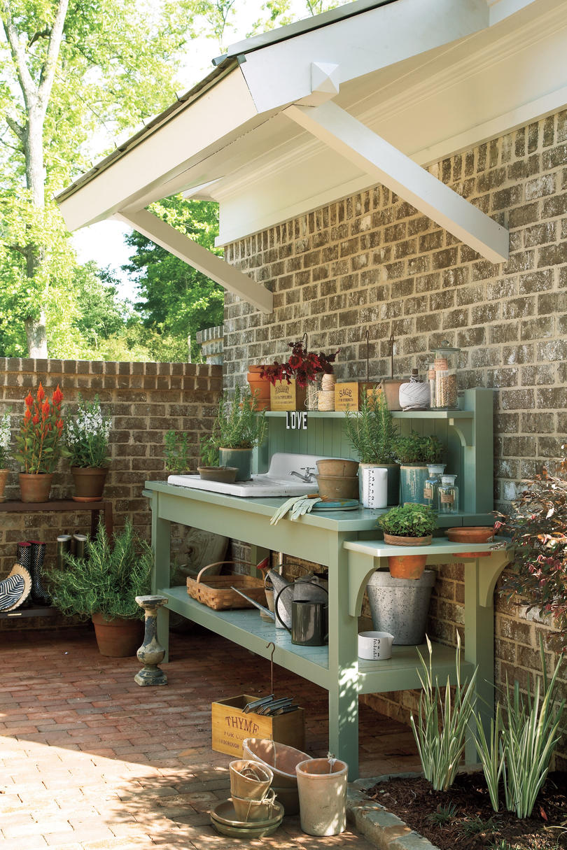 Courtyard Potting Bench