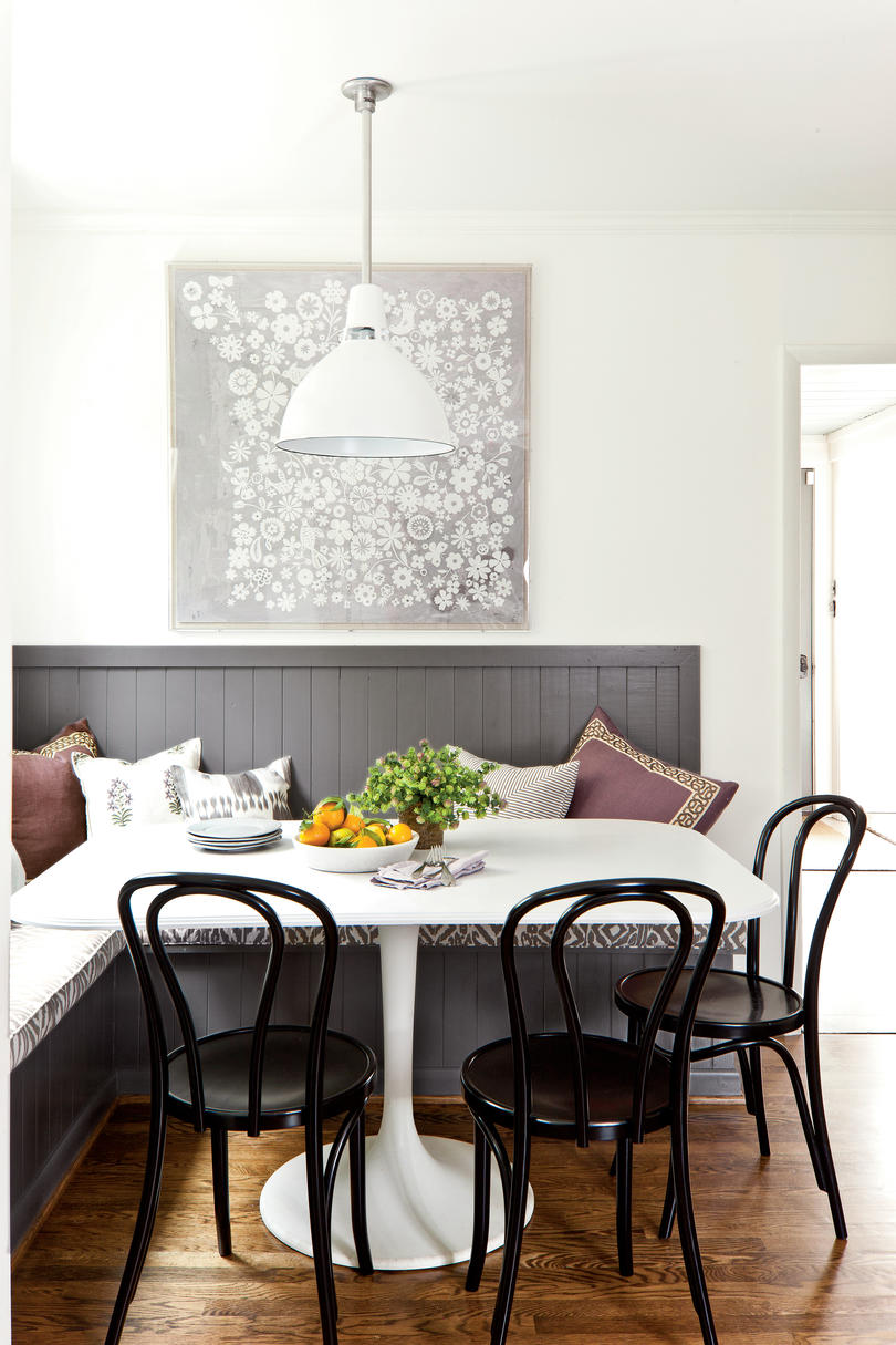 Inviting Breakfast Nook