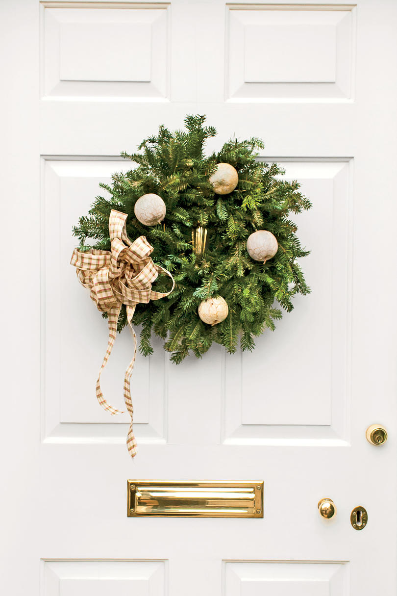 Neutral Christmas Wreath