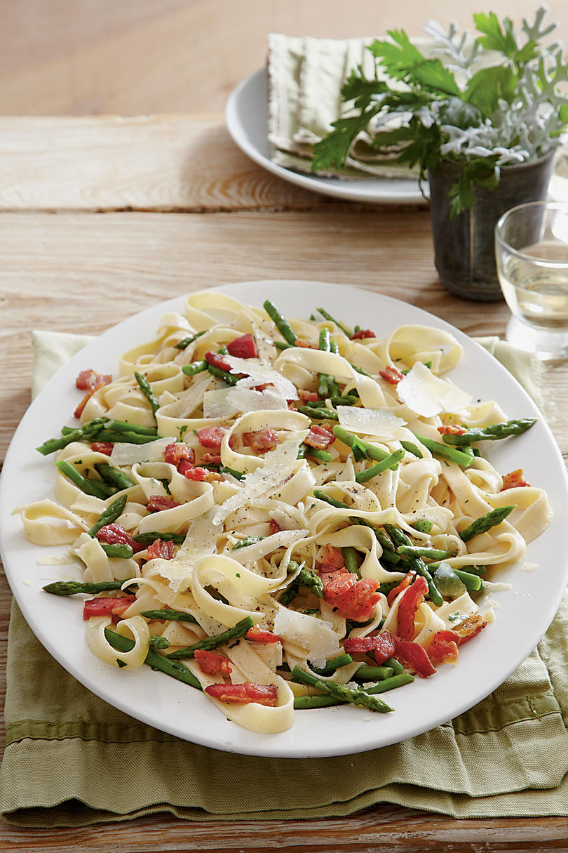 Romantic dinner recipes for two southern living fettuccine and asparagus al burro forumfinder Images